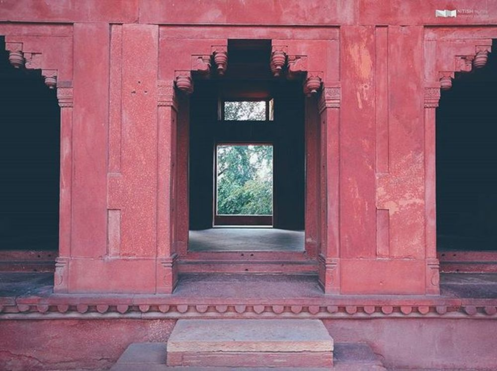 Archway into the Pink Building Nexus6P HDR Nexus6pphotography VSCO Vscocam Fatehpursikri JodhaPalace Agra Latergram Architecture Symmetry