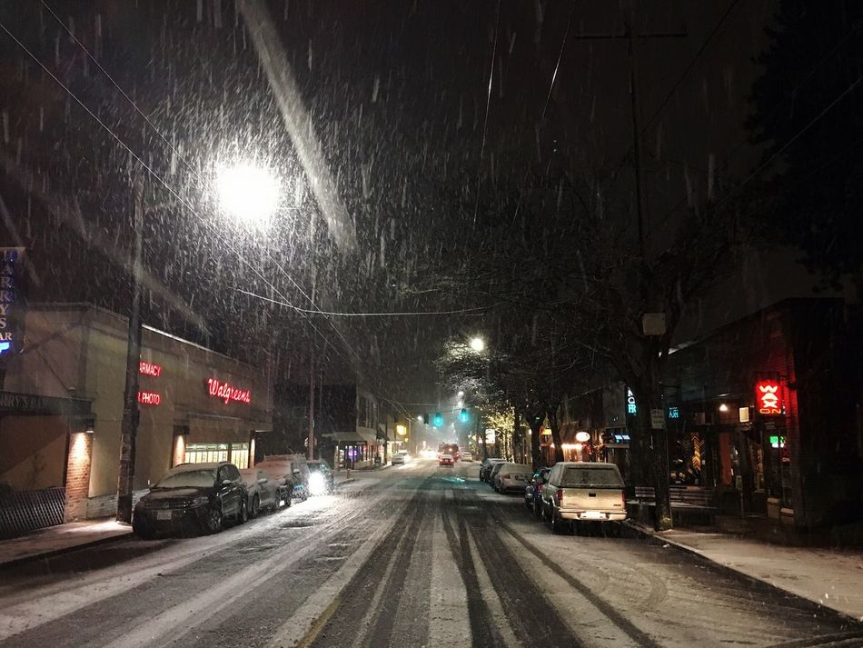 the weather showed up. Seattle Snow