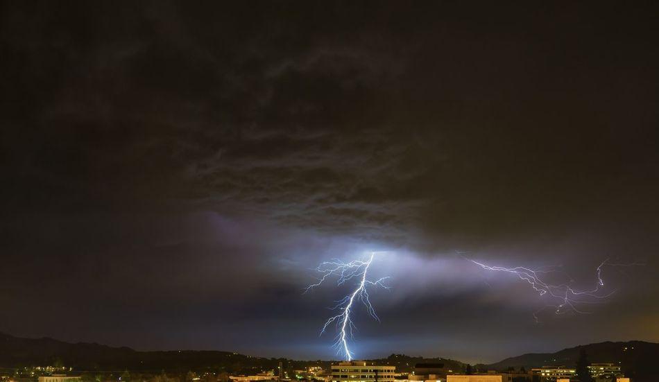 Beautiful stock photos of storm, Built Structure, City, Cloud - Sky, Danger