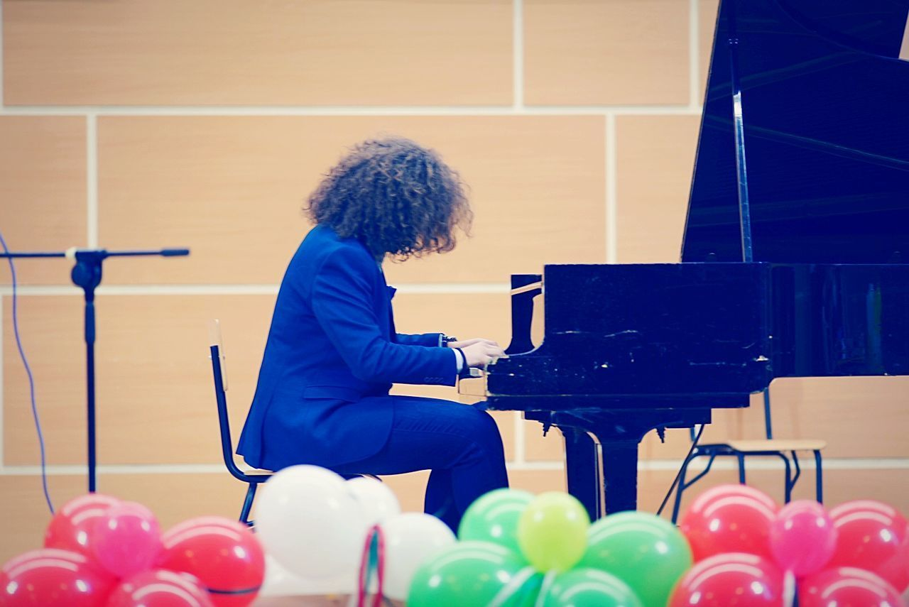 One Person Indoors  Musician Piano Music Piano Player Piano Man Piano Concert EyeEmNewHere