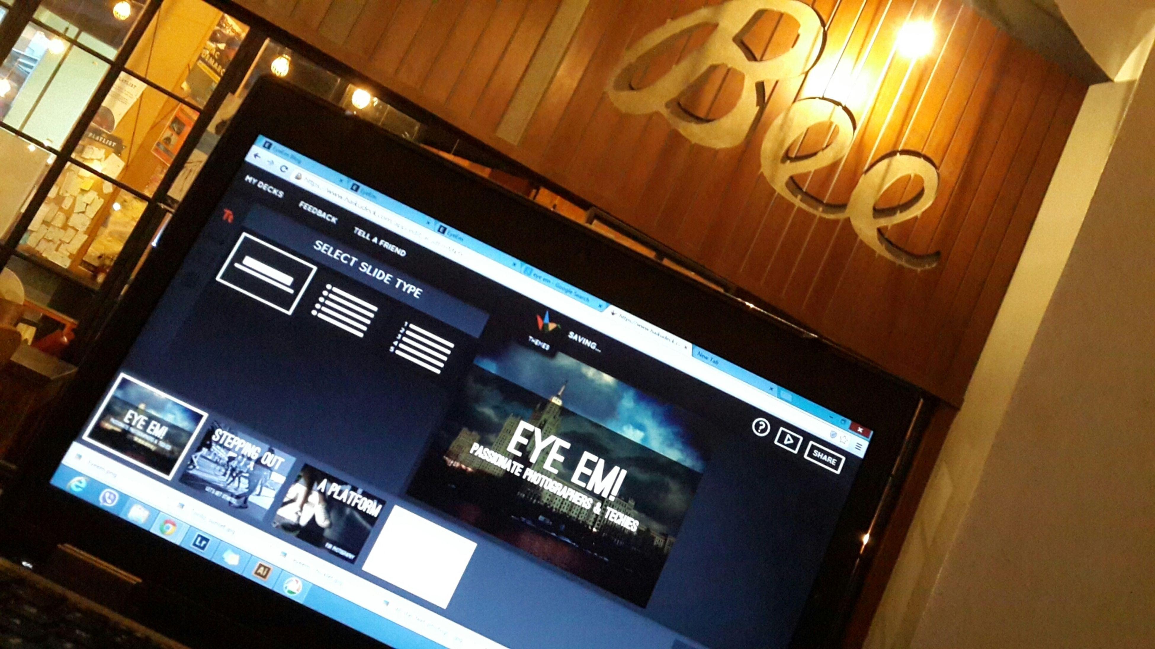 cause I'm presenting Eye Em. EyeEm Haikudeck Cafe Working