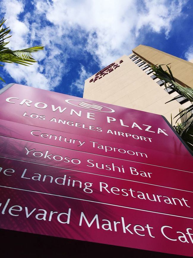 The hotel I sayed the night before u flew off! Crown Crownhotel Checking Out Checking In California LAX Losangeles Living Life Hello World Luxury