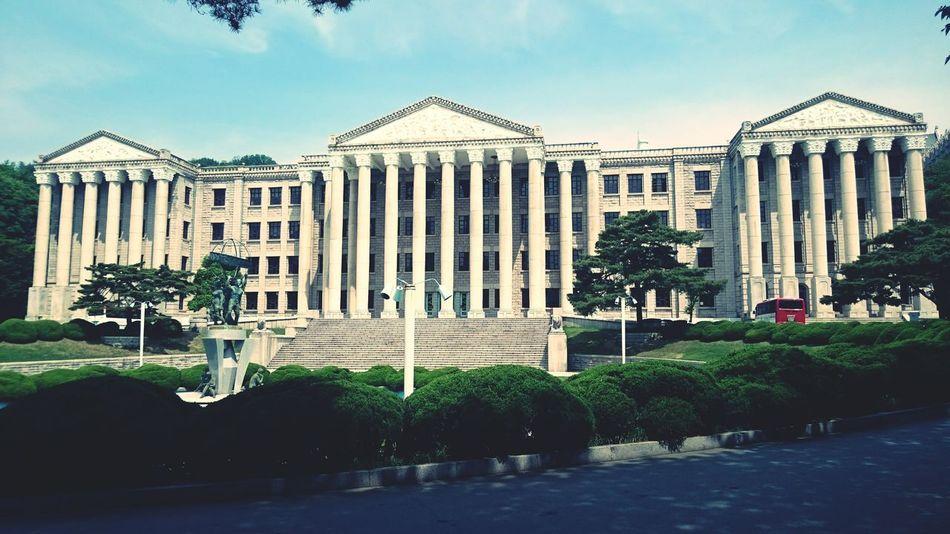 在裡面辦活動因該會很有感覺 慶熙大學 South Korea