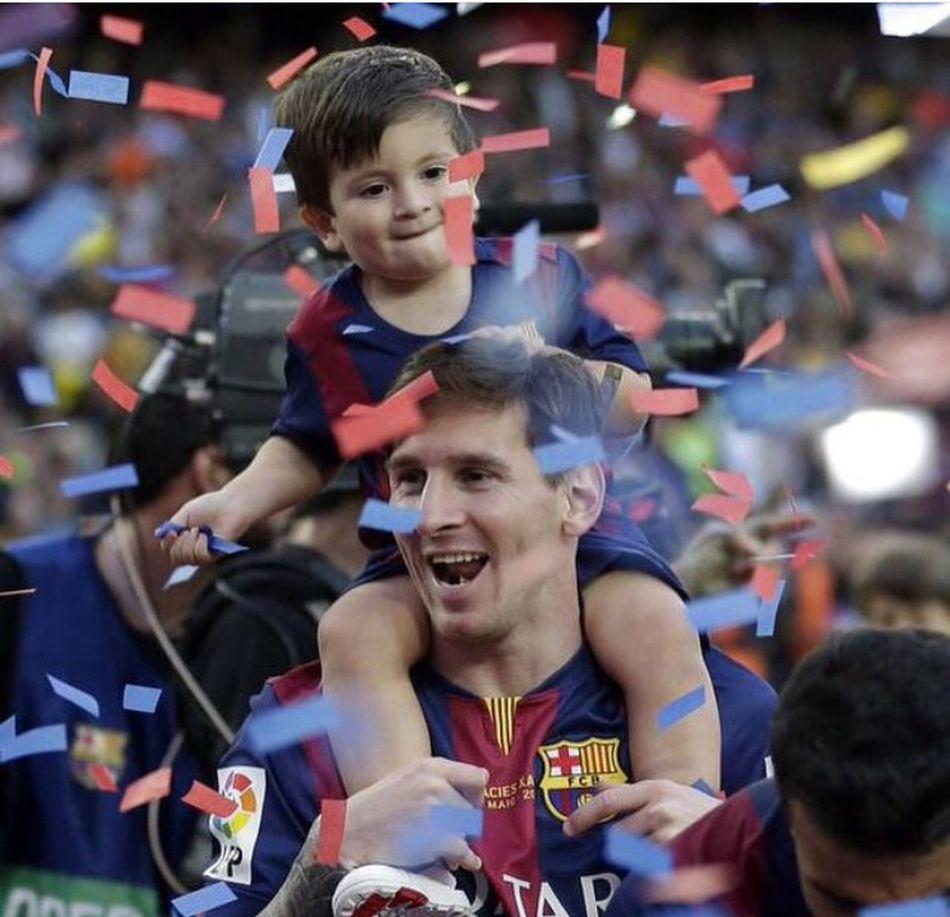نيمار ميسي  نيمار♥ برشلونا بيكيه سواريز برشلونه البرشا Messi