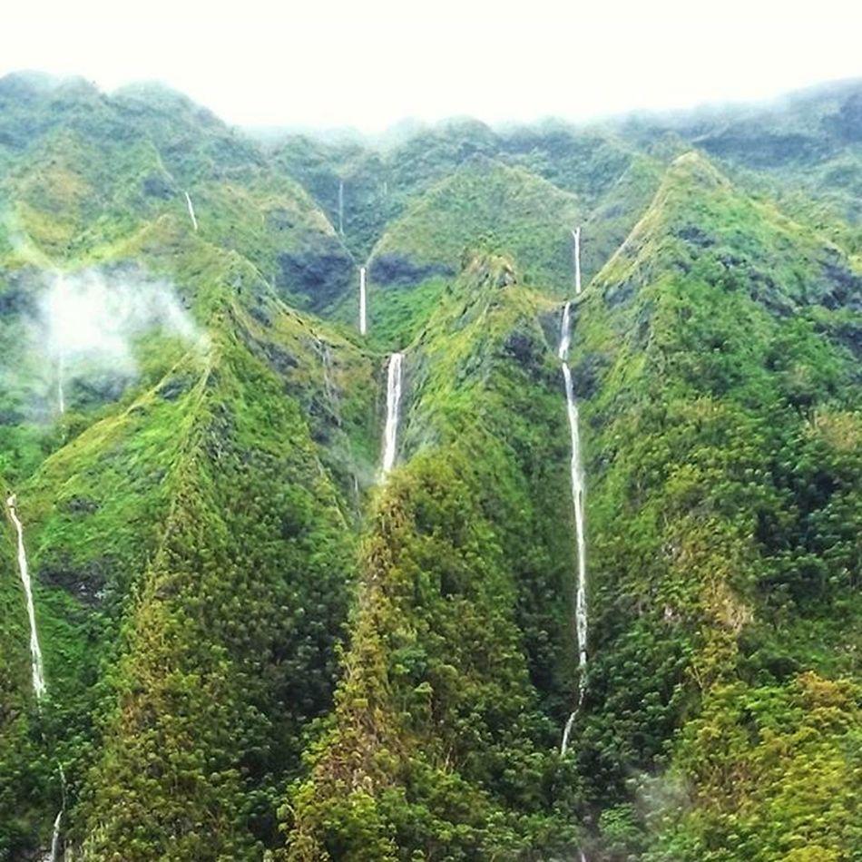 Rain rain made my day... Koolaumountains Waterfalls Luckywelivehi Venturehawaii Epichi Greyclouds  Mountains Rain =waterfalls Latergram Rollingshot