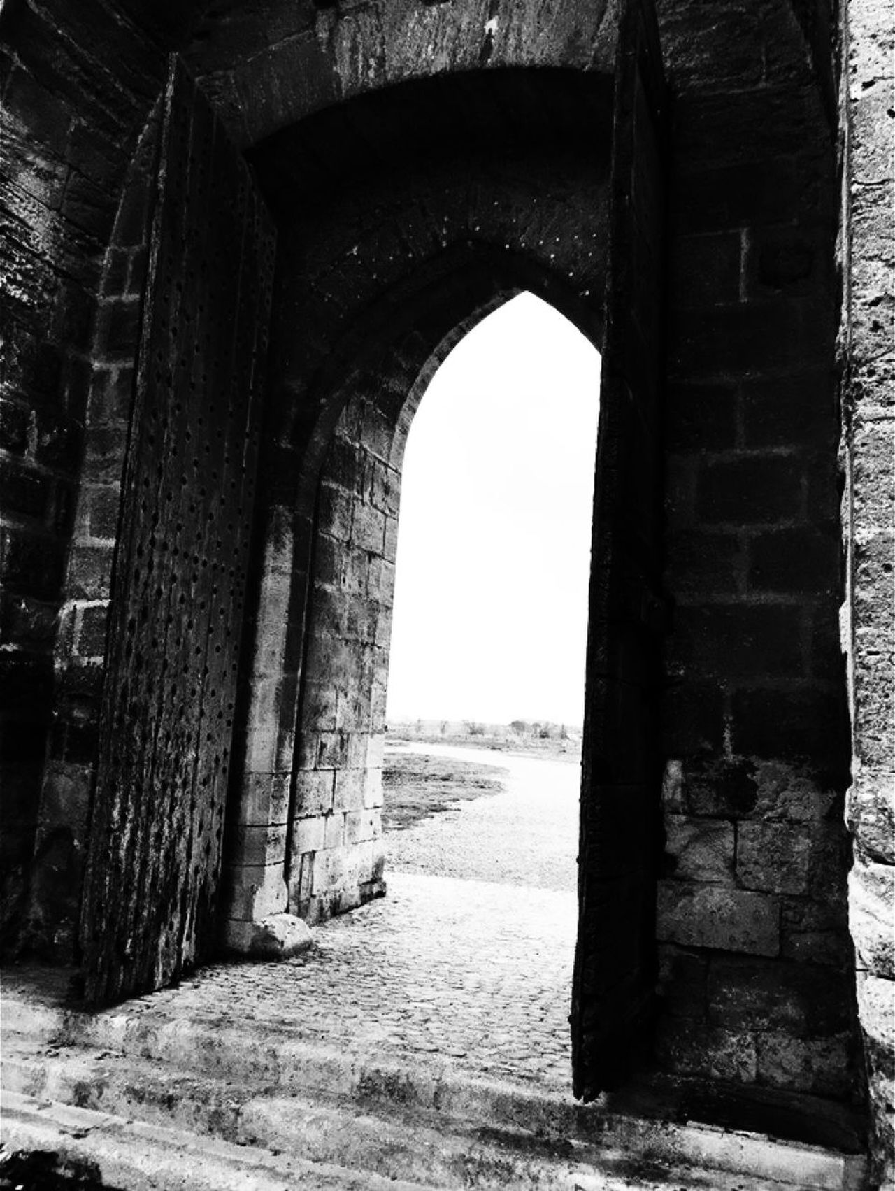 Architecture Built Structure Arch Day History No People Outdoors Sky avant, la mer arrivait ici…
