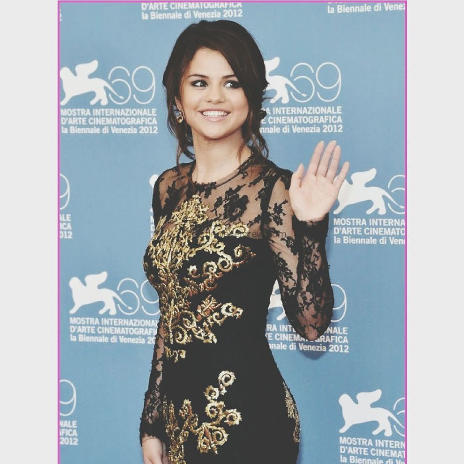 I Love Selena I Love Her Style Beautiful Woman Talent