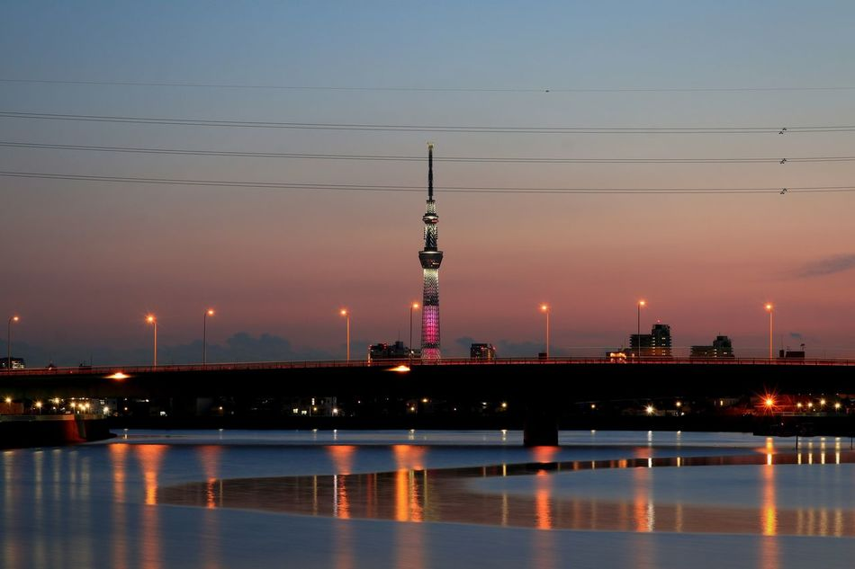 Reflection Water Night Light Illuminated Japan Sunset Dramatic Sky Sunsets Sunset_collection Nightphotography Nightscape Landscape Nightview Lights Tokyo Tokyoskytree Skytree River View