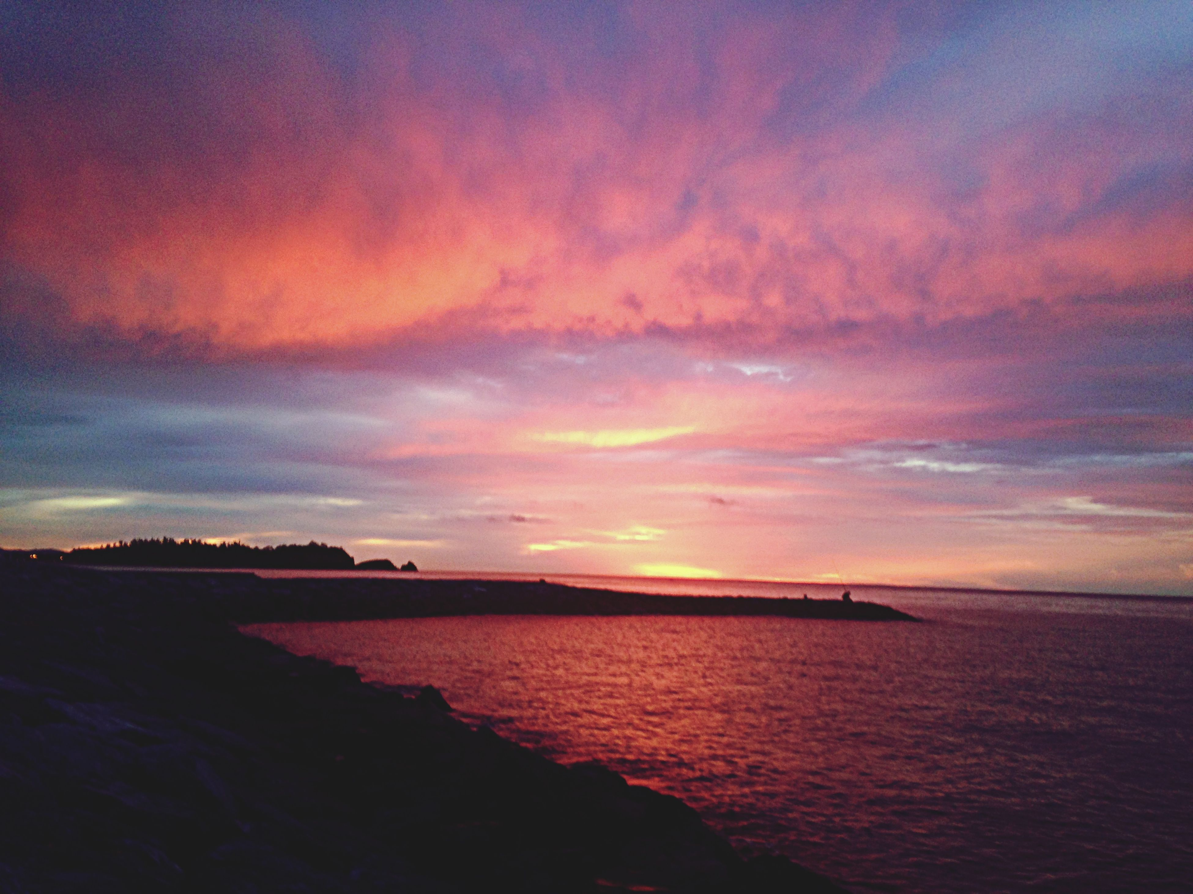 sea, water, sky, sunset, scenics, horizon over water, beach, beauty in nature, tranquility, tranquil scene, nature, cloud - sky, shore, idyllic, dusk, outdoors, waterfront, transportation, cloud, reflection