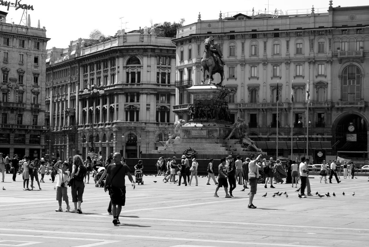 Milano Building Exterior Large Group Of People Built Structure Architecture Statue People Milan,Italy Milan Cathedral Piazza Del Duomo Eyemphotography Eyem Best Shots Eyem Gallery