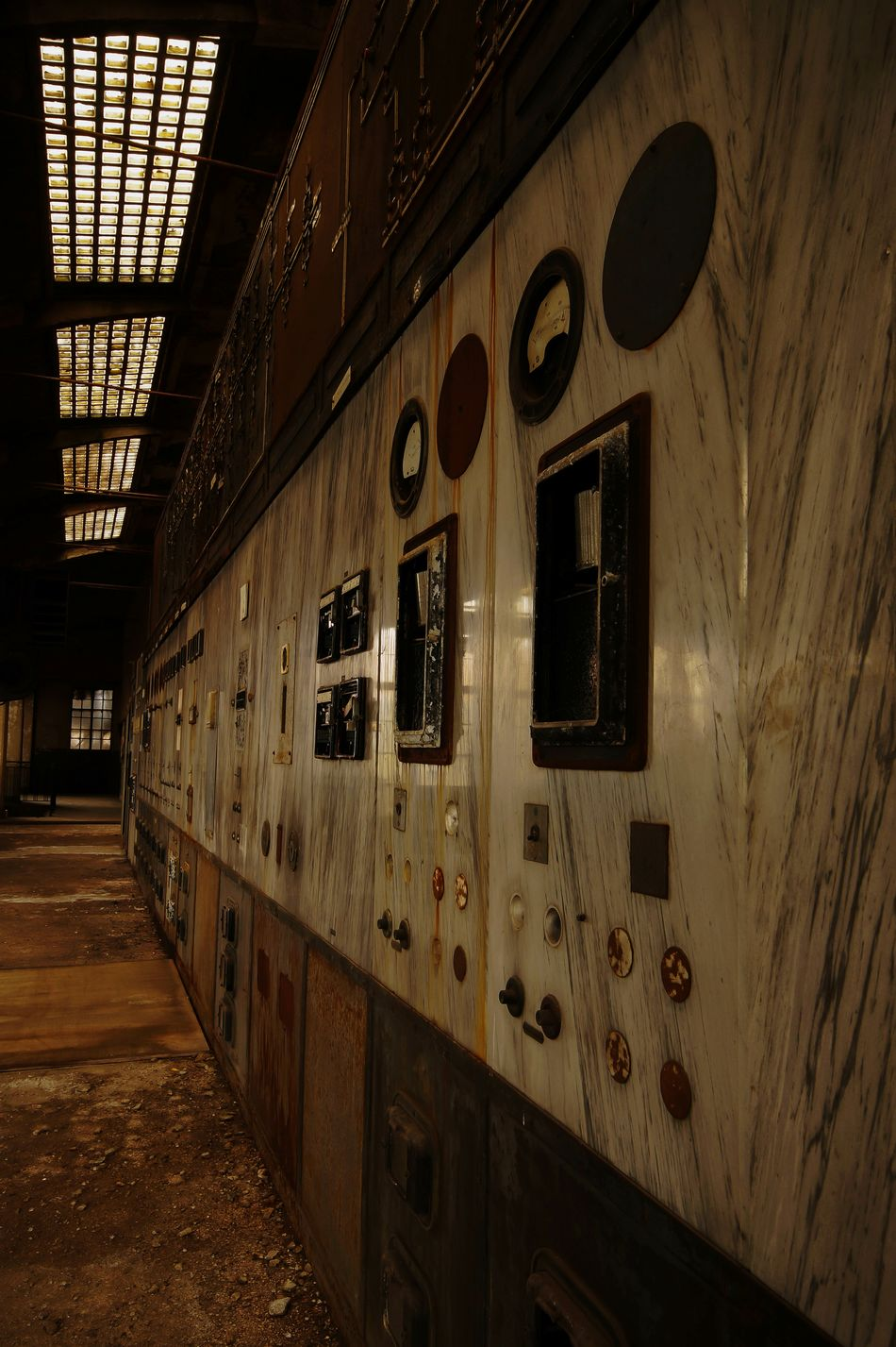 Alien Works... Urban Exploration Abandoned & Derelict Ksilencio.com Abandoned Places Industry Industriekultur