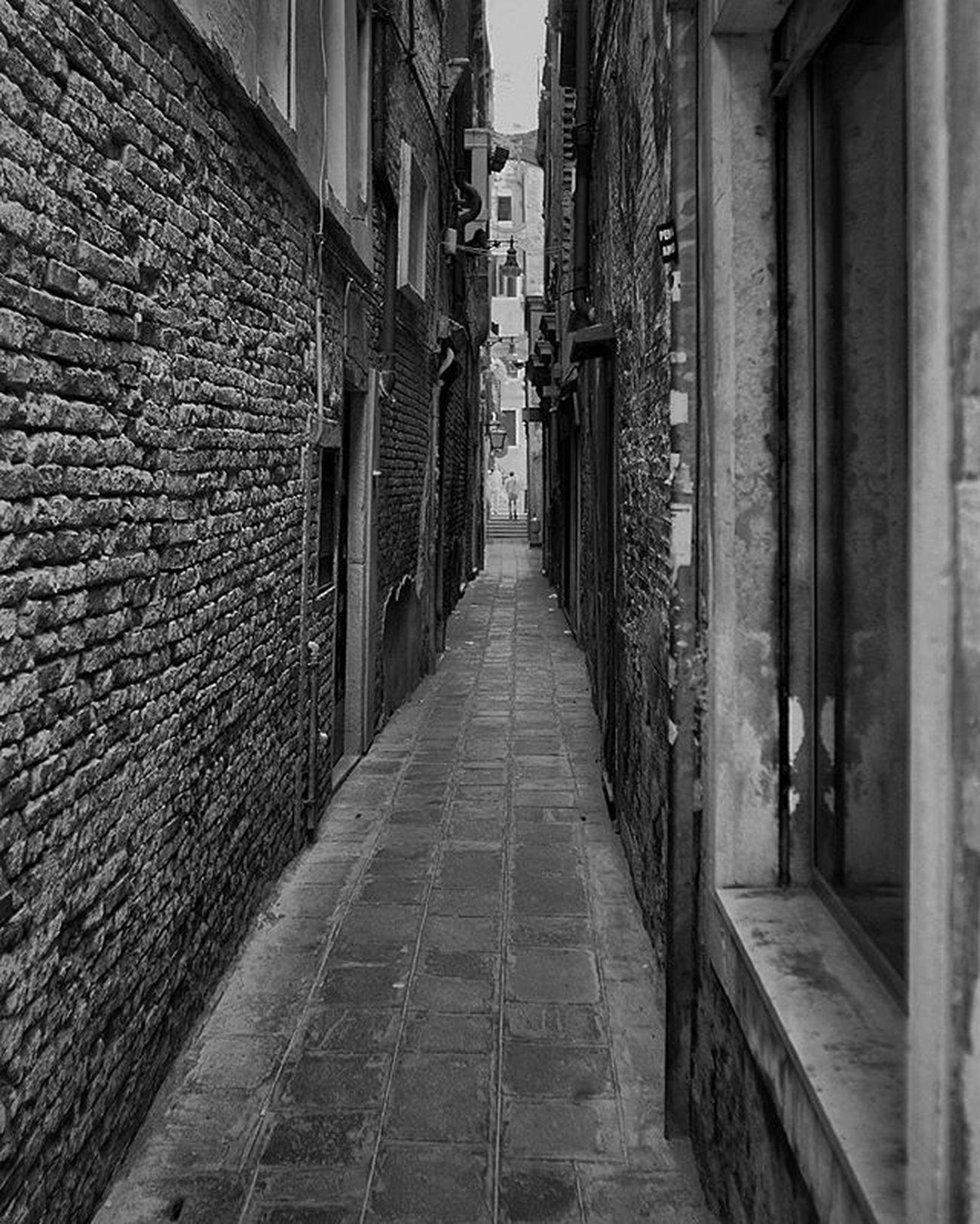 Grammasters3 Bw Blackandwhite Noiretblanc Streetphotography Rsa_bw Bnw_demand Mafia_bnwlove Siyahbeyaz Youmobile Wearegrryo Outofthephone Tinycollective Streetphotographers Gspc Hikaricreative Hartcollective Thesmartview Streetdreamsmag Streetscenesmagazine Commcam Ig_italy Igersitalia Igersitaly Italy