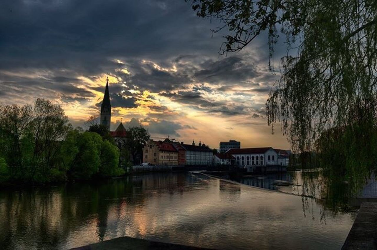 Kempten am Abend Streetphotography City Urban Taking Photos Germany Canon Deutschland Allgäu Cloudporn Sunset Kempten (Allgäu) Canon 70d Sky Skyporn Spring HDR Hdrphotography