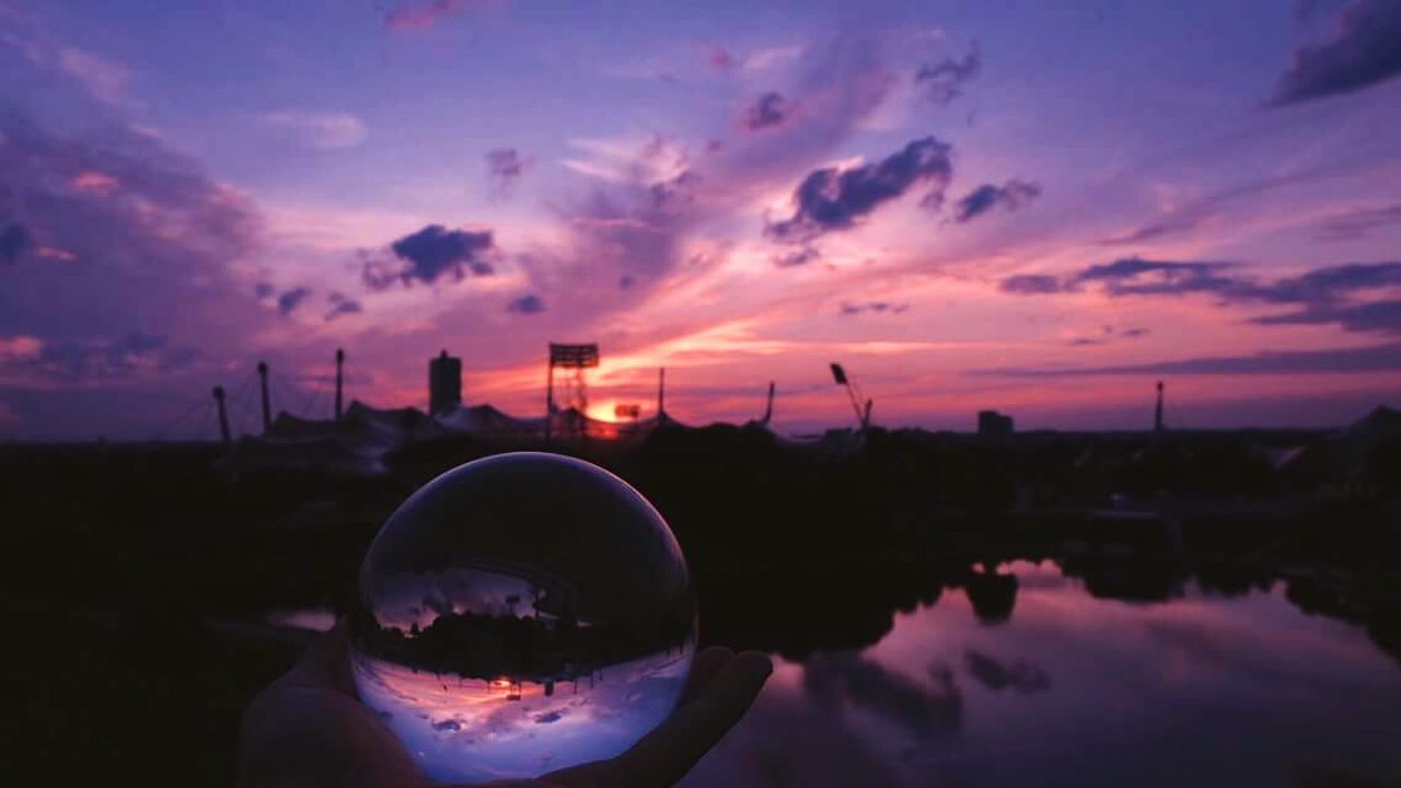 Handy world Reflection Sunset Sky Water Nature Beauty In Nature City Outdoors No People Cloud - Sky Scenics Marble Beauty In Nature Nature Relaxation Landscape Travel EyeEmNewHere