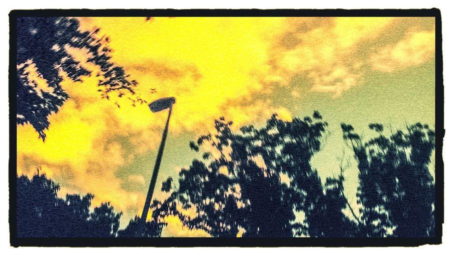 die Sonne scheint mal wieder Taking Photos Enjoying Life Enjoying The Sun Clouds And Sky thisismysky TheBestSkyEver cloudporn popular EEYEM BEST FOTOS thiscooledit