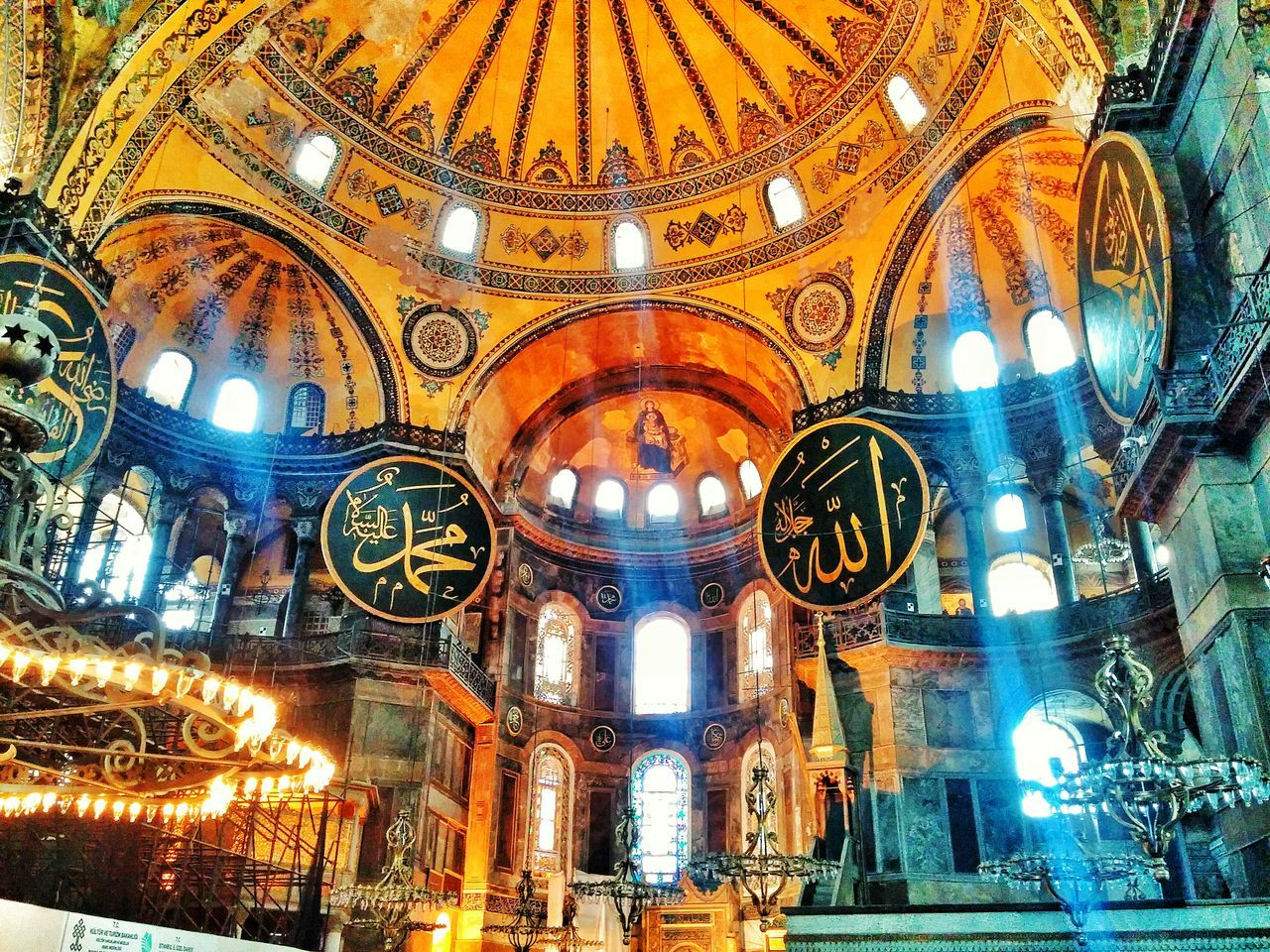 Who says you can't fall in love with a place or a country! I fall in love with Istanbul Turkey and all its Beautiful streets and speachless arts.. Myfutureplace Wannagoback Takemethere Memories October2014 Hagia Sophia Ayasofya Sultanahmet