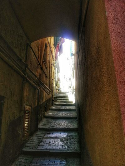 Scalinata Stairway Creuza Vicolo SalitaArchivolto Archway Old Town Architecture Steps Built Structure Tunnel The Way Forward The Way Up The Way Up To The Light No People Day Note 2 Smartphone Photography Android Photography Genova-voltri