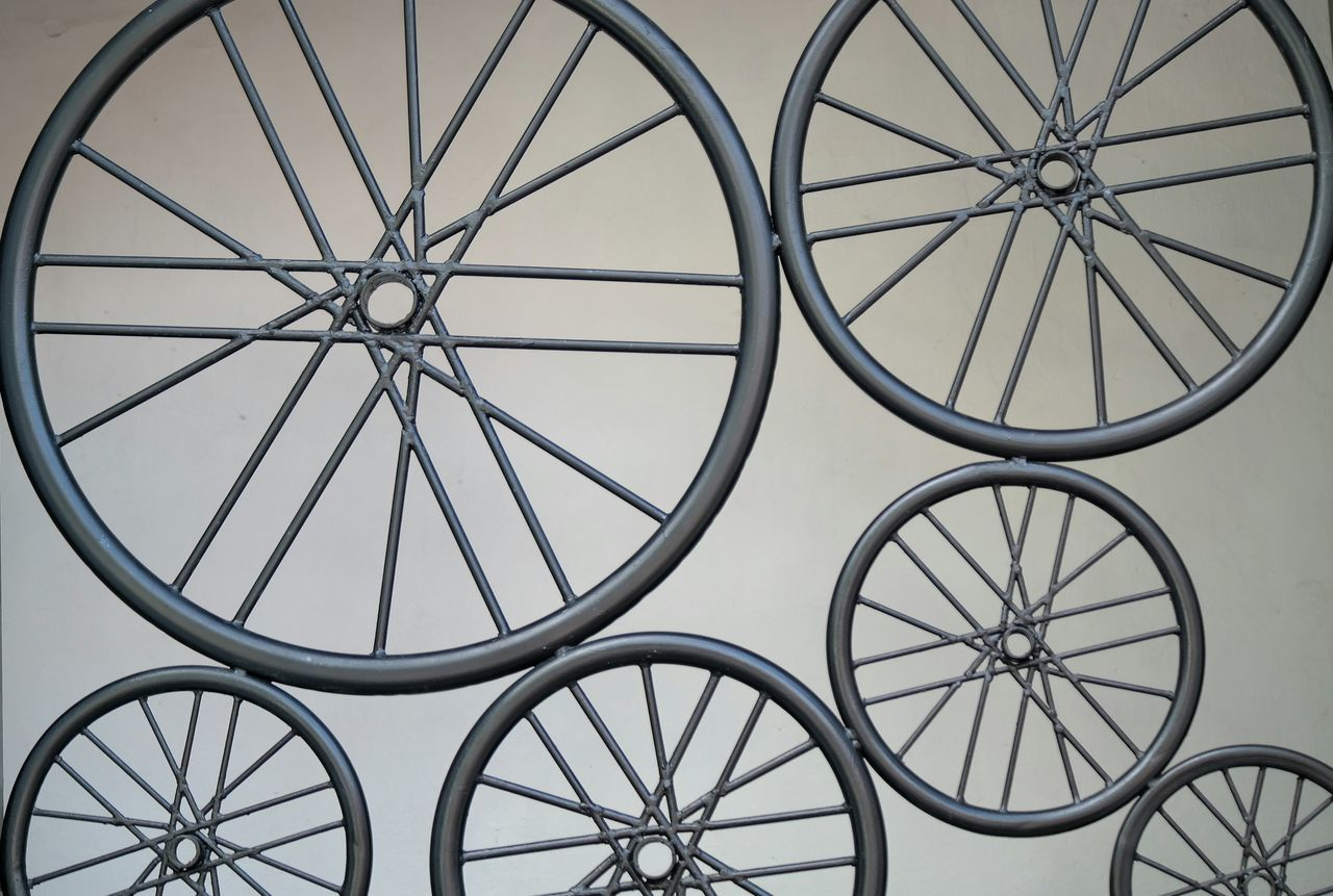 Beautiful stock photos of kreuz, bicycle, spoke, transportation, metal
