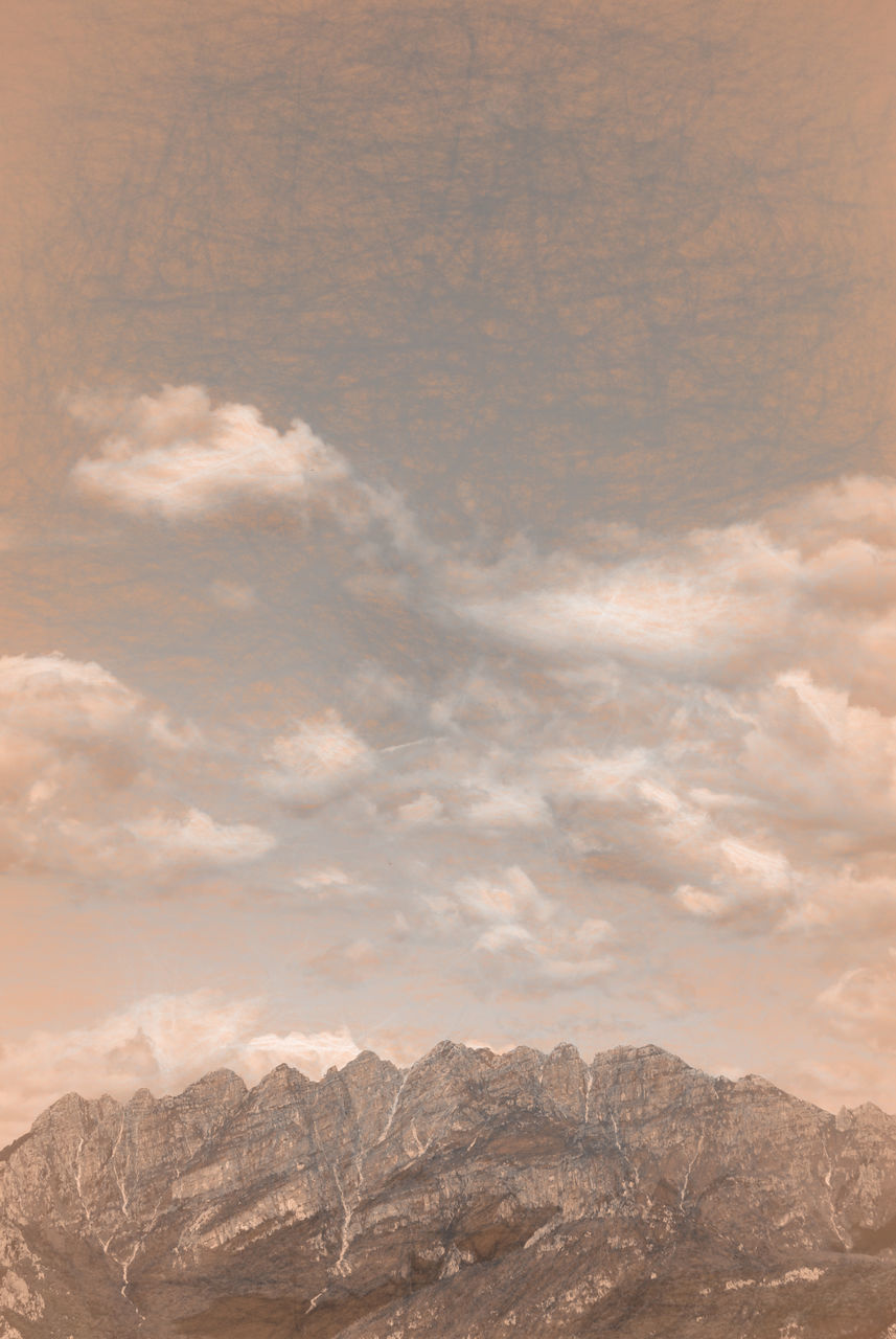 mountain, nature, scenics, beauty in nature, outdoors, landscape, mountain range, no people, tranquility, cloud - sky, day, sky