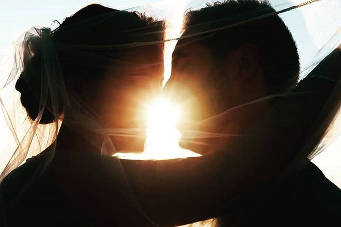 Jessica y Paco Boda Luz Contraluz Contra Amor Silueta Luznatural Fotografodebodas 3hvisual Fotosdeboda Fotografiadebodas Wedding Weddingphotographer Wedaward Weddingphotography Bride Groom Bodamas Bodasnet Zankyoubodas @bodasnet @zankyou_bodas @bodamas Weddingphotospain
