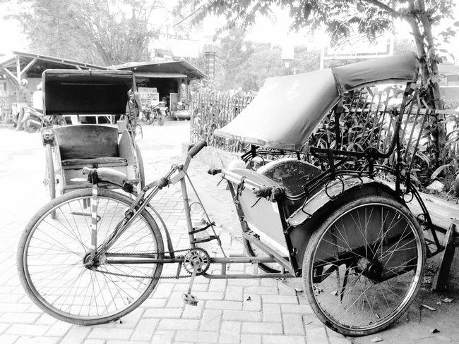 Becak Indonesiatraditionaltransportation Black & White 100%Indonesia Save