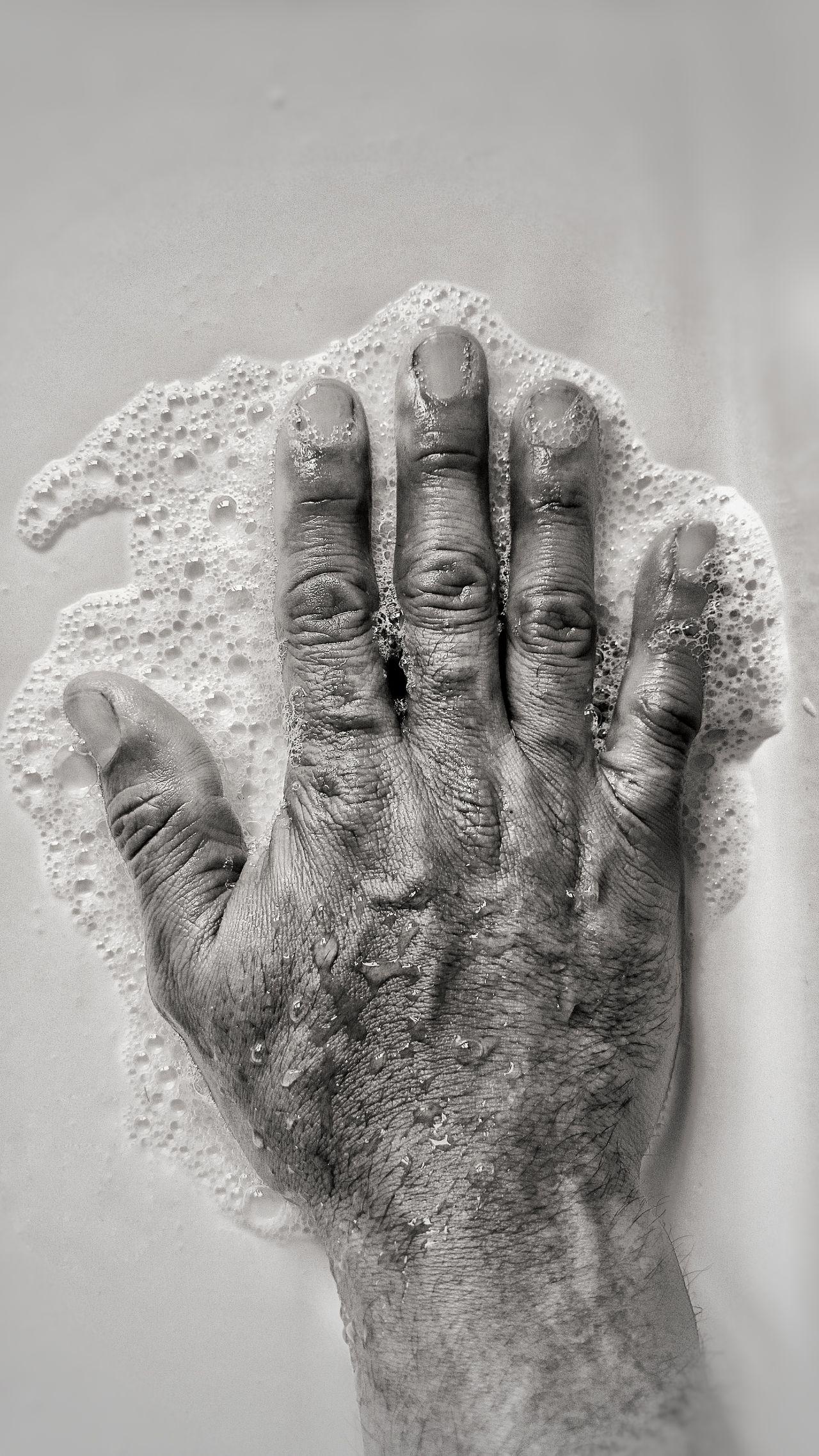 somos tan efimeros como la espuma Hand Human Body Part Main