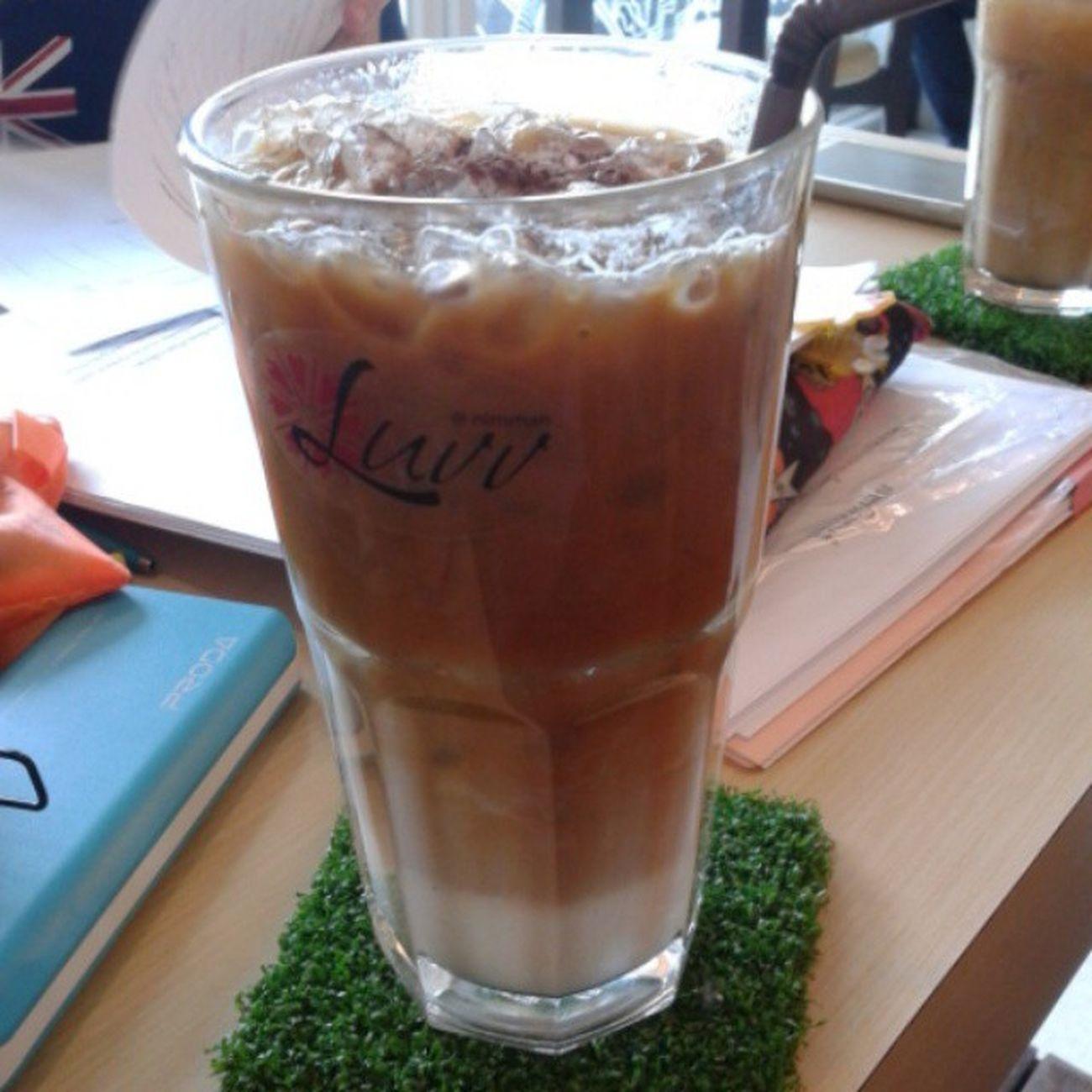 เป็นโรคภูมิแพ้ .. นอกจากจะแพ้อากาศ // แพ้ฝุ่น .. ยังแพ้กาแฟ ' เห็นกาแฟทีไรใจอ่อนทุกที ☕ Coffee Coffeemania Espresso