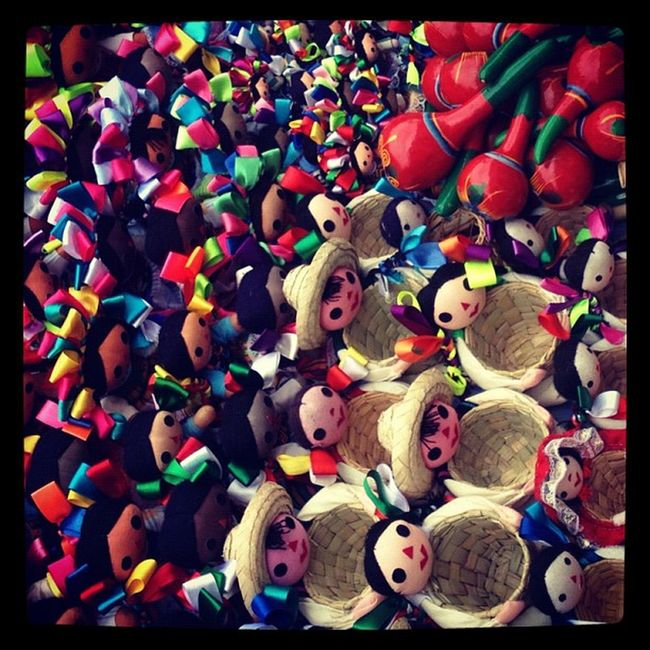 Muñequitas mexicanas!! Popckorn Adictosalaciudad Followback Culturamexico TBT  Coolturamexico Mx  Igersmexico Df FotoDelDia Igers IGDaily IPhone Instagood Webstagram Mexico Tweetgram Mobilephoto Iphoneonly Iphonegraphy Photooftheday Bsasmobilephoto Instagram Momentoglitz Picoftheday Ciudadenmovimiento