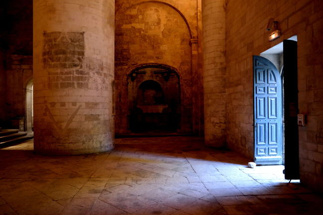 Ancient Ancient Civilization Ancient Times Arch Architectural Column Architecture Arles Built Structure Camargue Chapel Entrance Eye4photography  EyeEm Best Shots EyeEm Gallery France Graveyard Historic Historical Historical Building History Mystery The Past Tranquil Scene Tranquility