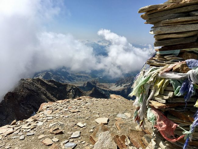 I pensieri volano.. Trasportati dai venti.. Dreaming Cloud - Sky Mountain Stone Italy Art Nature Place Of Heart
