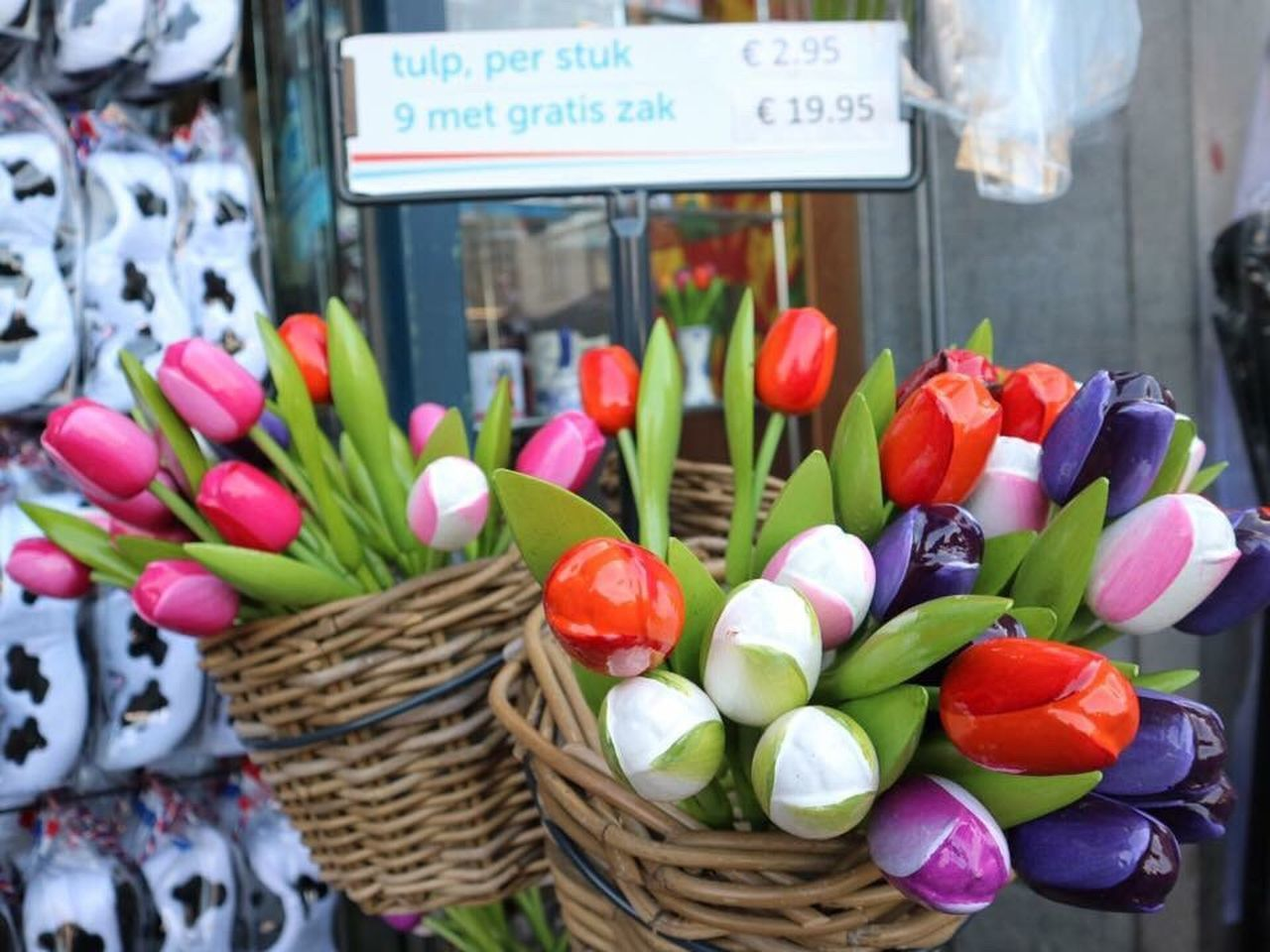 basket, freshness, day, flower, for sale, outdoors, petal, variation, retail, food, market, no people, multi colored, fragility, price tag, flower head, close-up