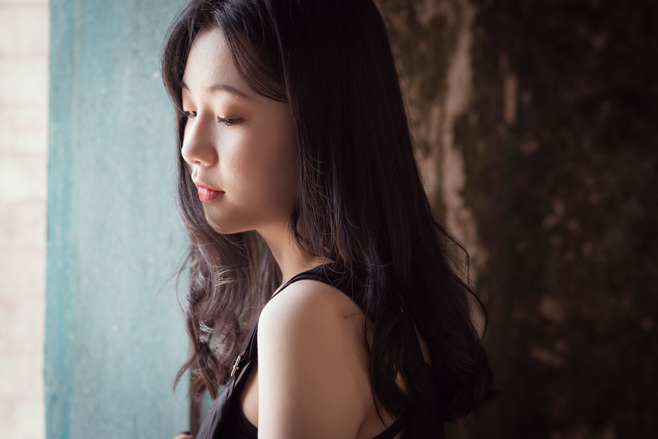 Beautiful stock photos of lippen, one person, young adult, long hair, young women