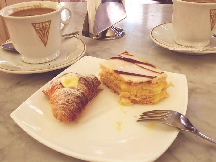 Coffee and cakes in Voltare