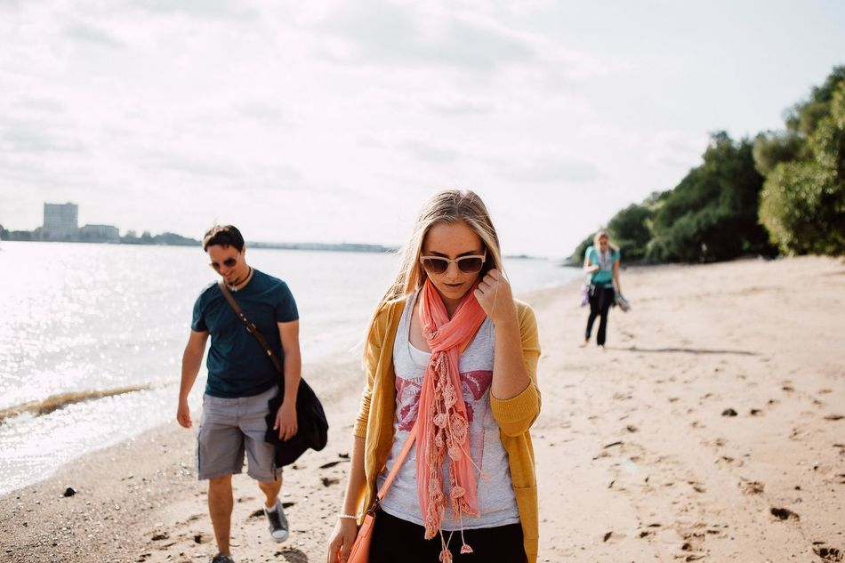 Beautiful stock photos of friends, 18-19 Years, 25-29 Years, Beach, Casual Clothing