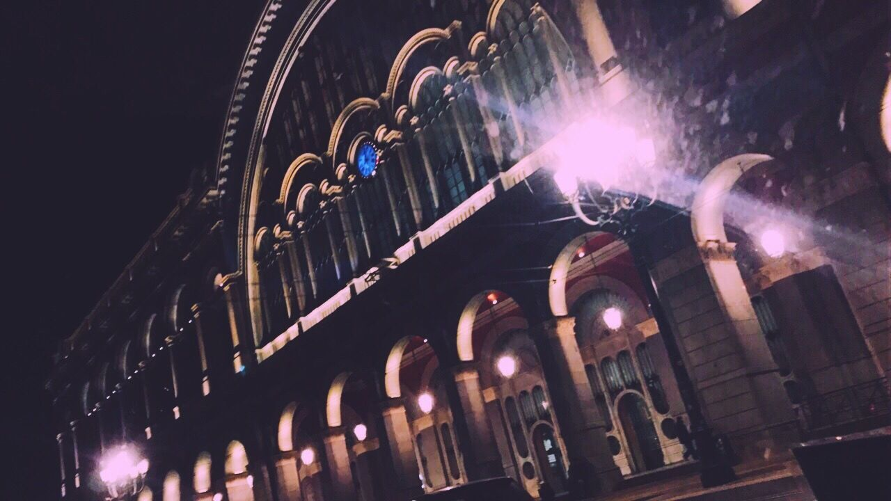 P.N. 🏫🚄 Porta Nuova Pn Torino Turin Station Train Leave Leaving Trip Clock Italia Italy Low Angle View Loneliness Sadness Lights No People Illuminated Night Built Structure Architecture EyEmNewHere EyeEm