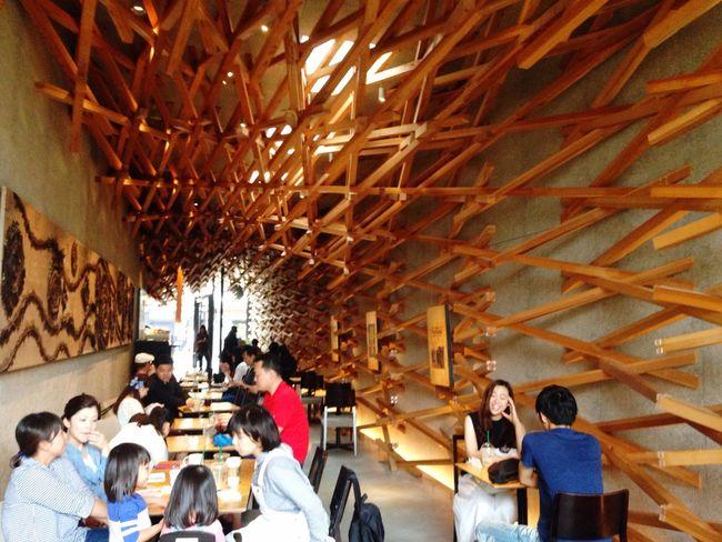 Starbucks at Dazaifu Temmangu Hanging Out Taking Photos Enjoying Life Dazaifutenmangu 太宰府 Starbucks Urbanphotography Wooden