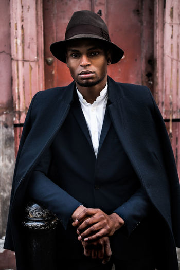 Vincent Smartly Dressed Hat Model Male Model Streetportrait Maxgor Rawstreets Londoninfaces Olympus Pen-f 50mm Costume Portrait Suit Hat Adult Men One Man Only Only Men Portrait People Elégance Fashion One Person City Young Adult Business Finance And Industry Business Arts Culture And Entertainment Black Color
