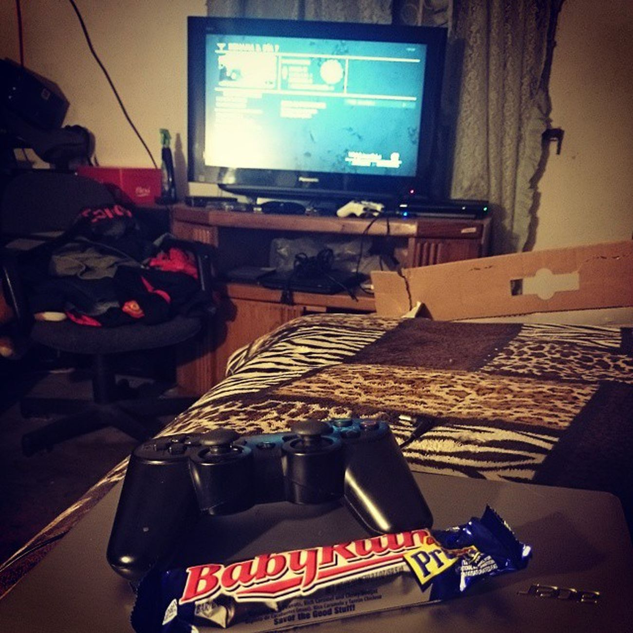 The Last of Us and BabyRuth time. Ps3 TLOU TheLastOfUs Babyruth chocolate gamer game psn sony multiplayer ellieandjoel