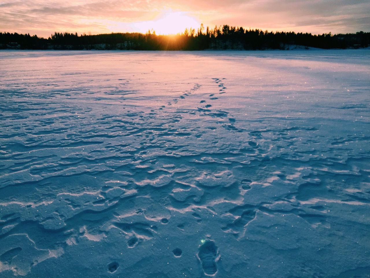Footsteps in the snow Sunset Nature Beauty In Nature Scenics Cold Temperature Tranquil Scene Winter Tranquility Sky Frozen Landscape Outdoors No People Ice Cloud - Sky Dramatic Sky Lake Snow Day Water Frozen Lake Nature Photography Winter Wonderland Winter Sunset December