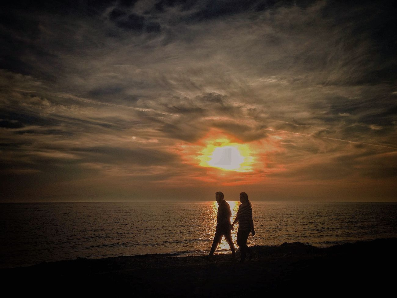 Sahilde Sonbahar... Sunset Sea Beach Two People Gazonungözü Horizon Over Water Real People Water Silhouette Full Length Standing Cloud - Sky Togetherness Beauty In Nature Bonding Sky Outdoors Men Nature Childhood Scenics