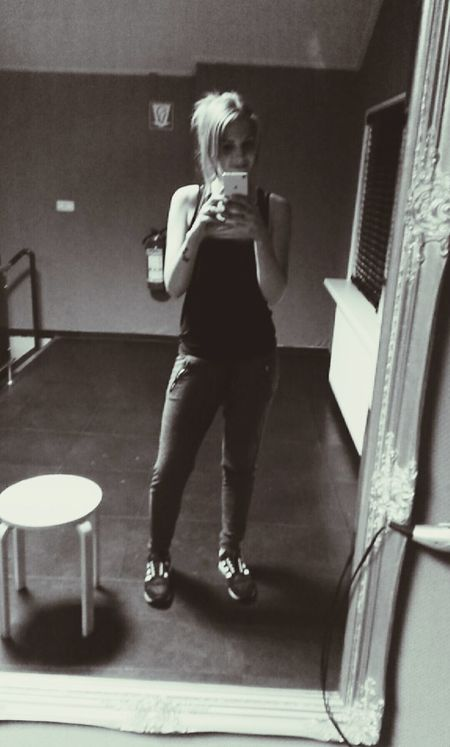 That's Me Fitgirl Motivated Self Portrait Girl Today's Hot Look Selfie Fitness Popular Photos Cheese! Hello World Blondhair Girlswithtattoos Girlswithpiercings Going To The Gym Beauty Sport Exercise