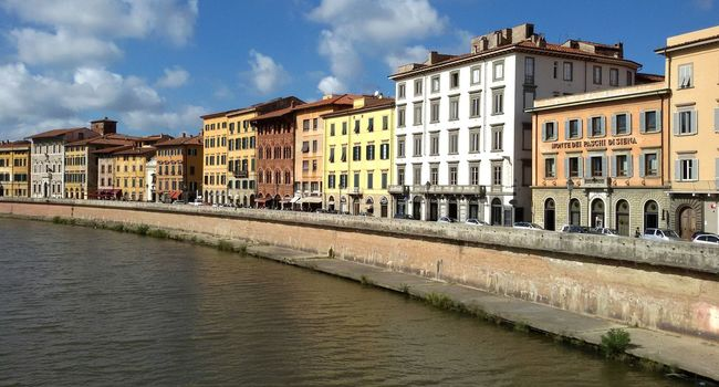 Along the river Landscapes Cityscapes Architecture River Eyem Gallery Side By Side Colorful City EyeEm Gallery Pisa Italy Travel Arno  Ponte Di Mezzo View From Ponte Di Mezzo