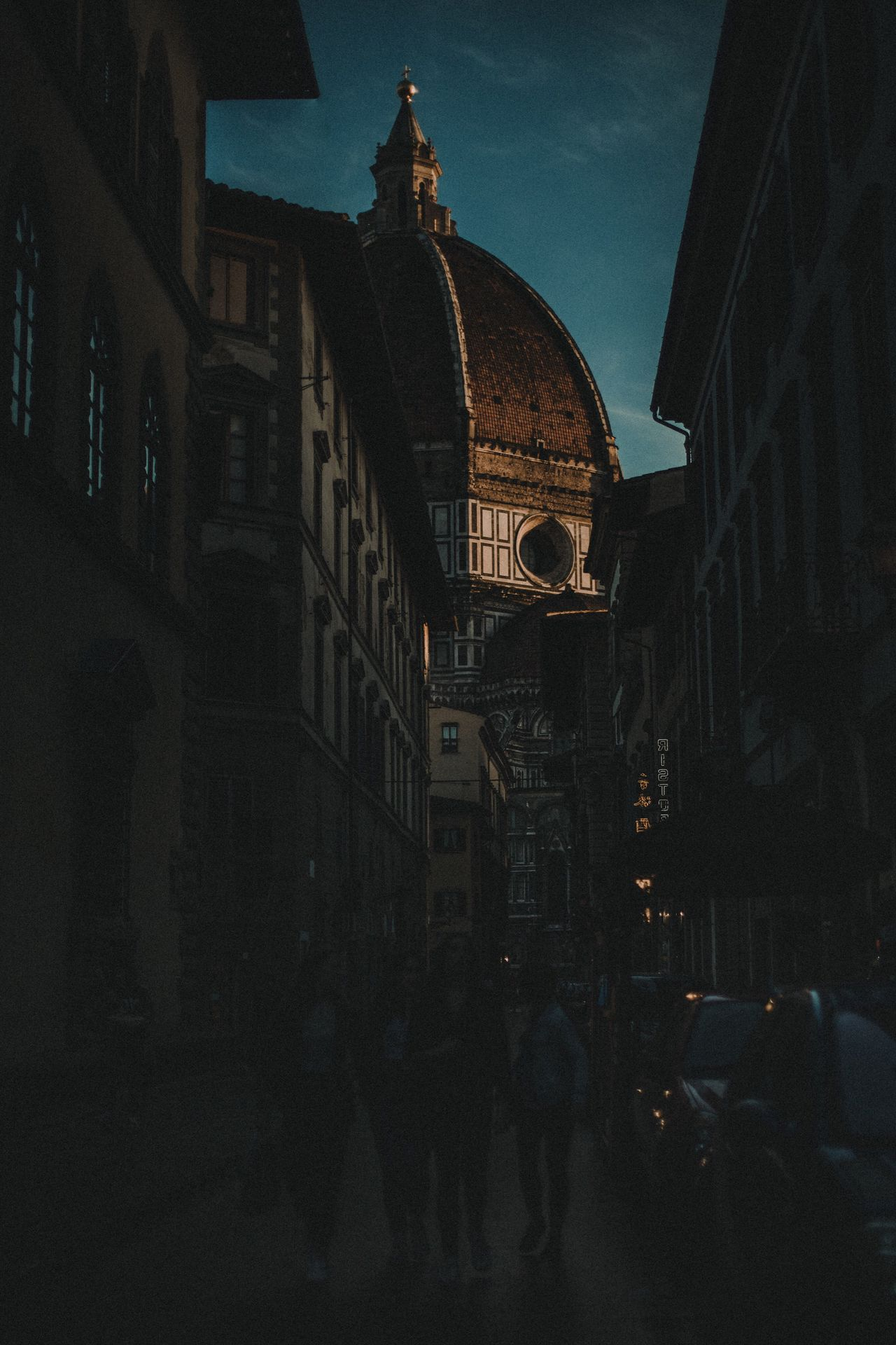 Building Exterior Built Structure Religion Spirituality Sky Outdoors Dome Urbanphotography Italy Streetphotography Street Life The Week On EyeEem EyeEm Photooftheday The Week Of Eyeem EyeEm Best Shots Firenze Florence Church City Lights Canon Architecture History