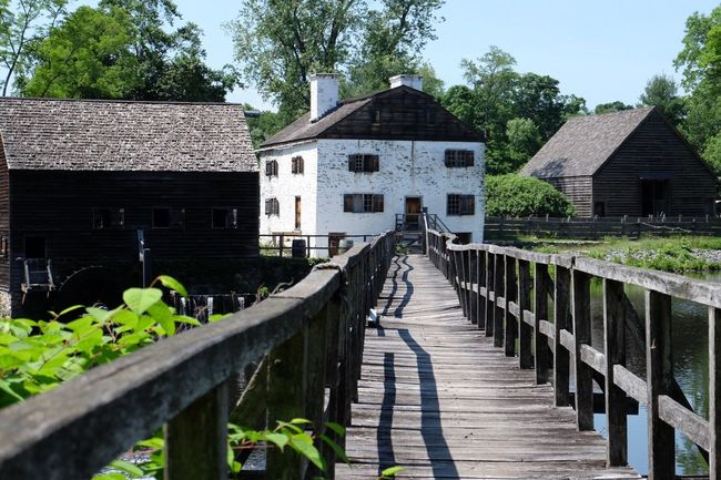 Seeing AmericanColonial #history -- PhilipsburgManor (1693) in #SleepyHollow #NY. This is an interesting place to learn about Dutch-British colonial America, slavery and economy in the North and the American Revolution. The Architect - 2015 EyeEm Awards The Traveler - 2015 EyeEm Awards