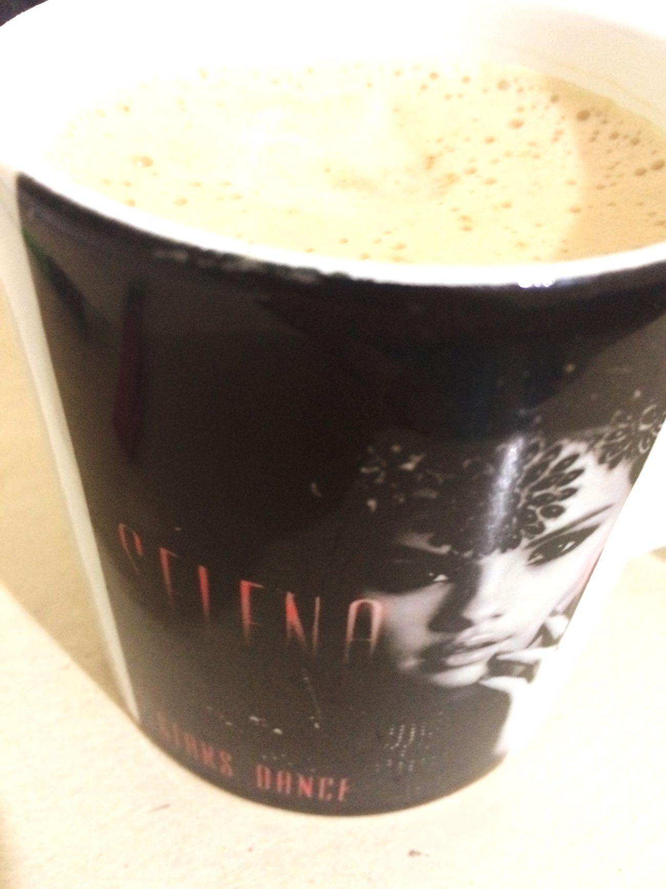 Selena Gomez ❤ Coffee Time Cappucino