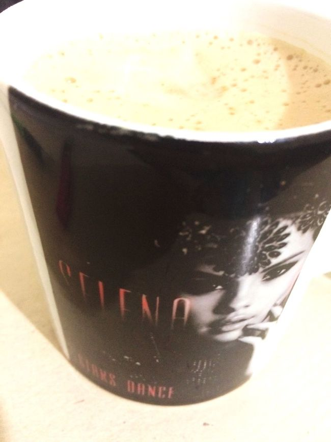 Selena Gomez ❤ Coffee Time Cappucino