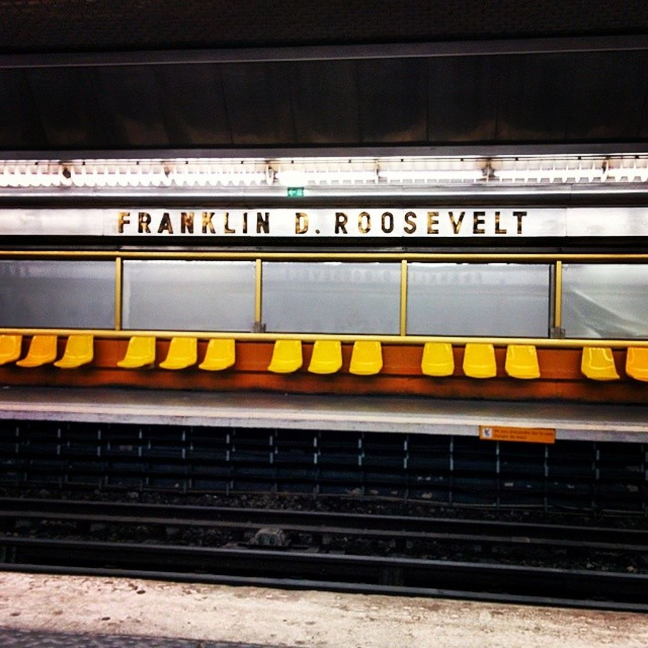 Paris Metro Franklin Droosevelt