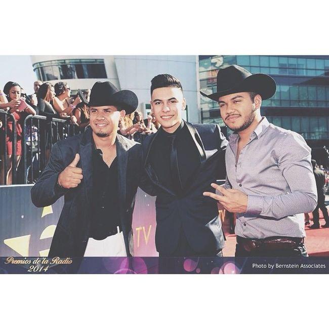Premios de la Radio 🎤💯! Saludos @gerardocoronel @cheyocarrillo 💯💙✌️ PremiosdelaRadio Saludos @gerardocoronel @cheyocarrillo 💙💯 Puro TwiinsCuliacan TwiinsMusicGroup 🔴⚫️👊💯