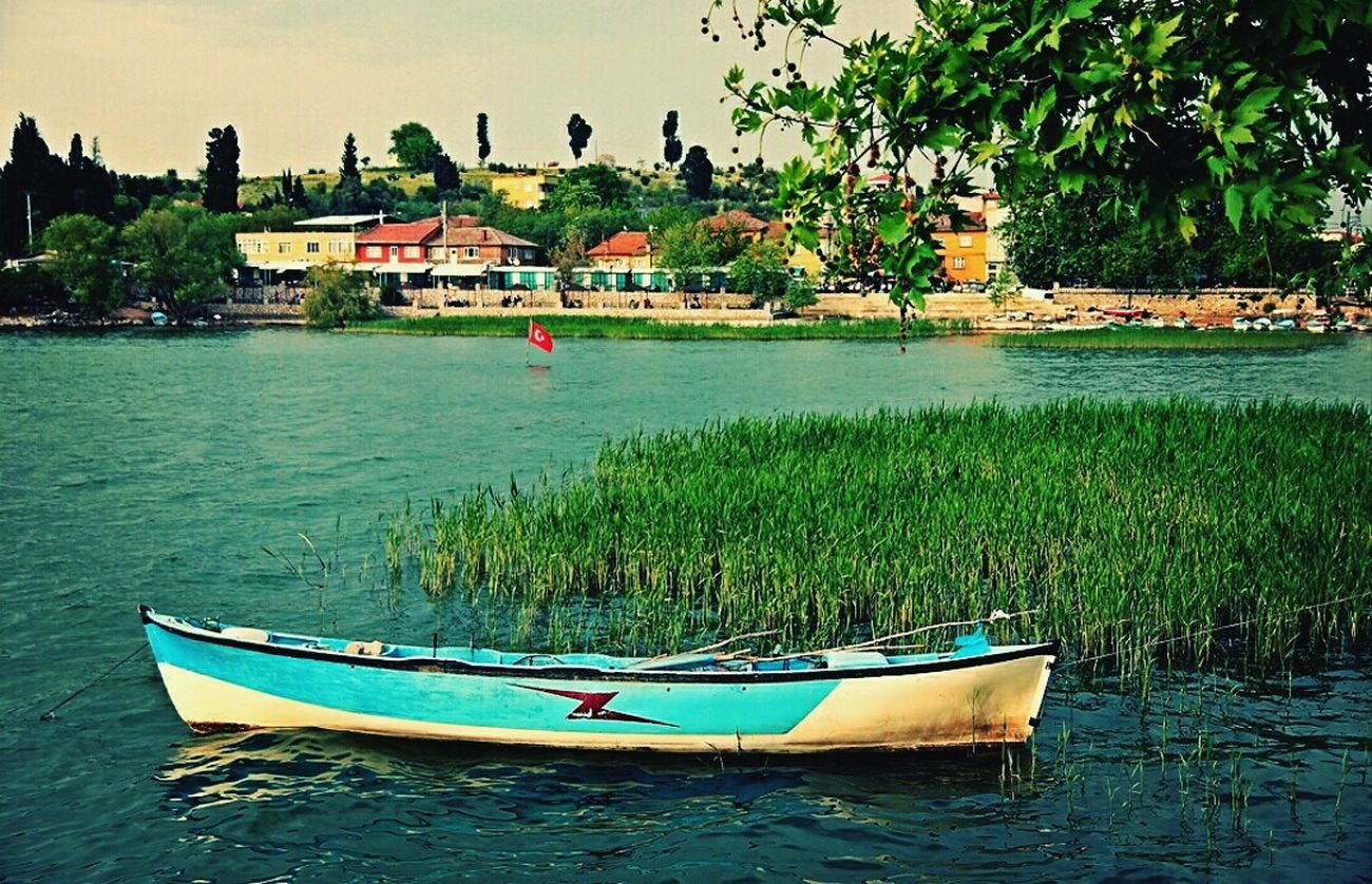 Water Outdoors Nautical Vessel Day Nature No People Tree Beauty In Nature Sky EyeEm Gallery Photography Photooftheday Photographer Photo Gununkaresi Canon Yeşil Green Color Green Architecture Building Exterior