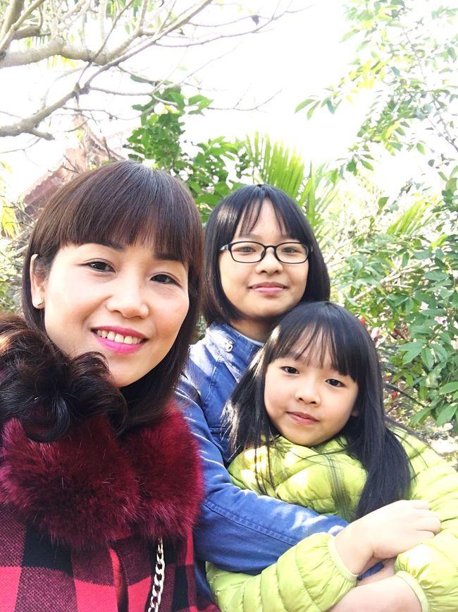 1/1 Mom Mom ❤ and Daughters Fresh Breath  Fresh On Eyeem  Fresh Air And Sunshine Sunshine Sunshine Day Lighting Love Breathtaking Good Morning Good Year Happy Happy New Year